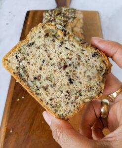 אסי רוזיצנר לחם טחינה