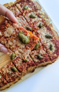 פיצה מקמח עדשים וטחינה ללא גלוטן צילום: אסי רוזיצנר