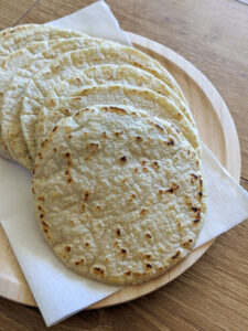 טורטיות מקמח תירס לבן צילום:אסי רוז