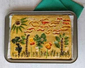 פוקאצ'ת עדשים מקושטת  צילום: אסי רוז
