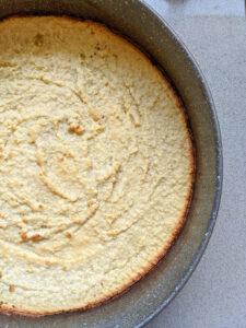 בסיס העוגה אחרי האפיה צילום:אסי רוז